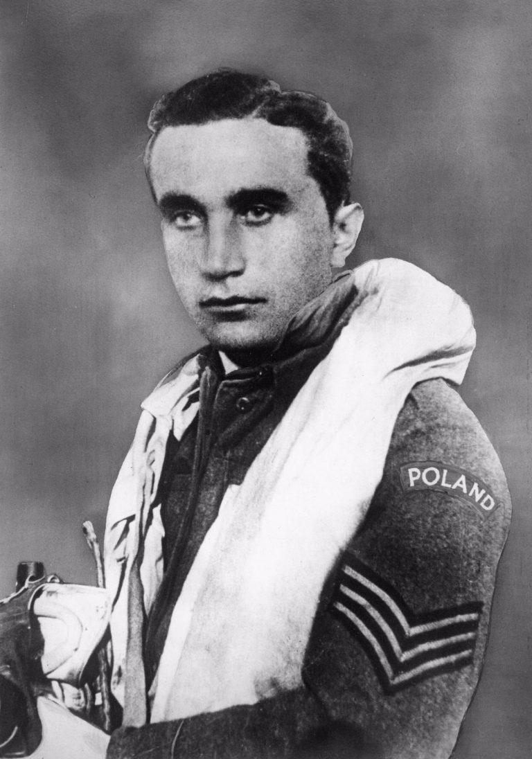"""Słynny pilot czeski, opisany przez Arkadego Fiedlera w """"Dywizjonie 303"""", Josef Frantiek-1914-1940"""